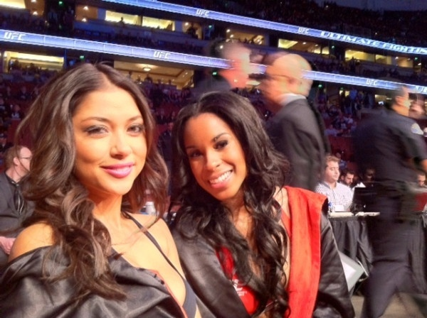 Ring girls Arianny Celeste, aniversariante do dia, e Chandela Powell participam do UFC on Fox