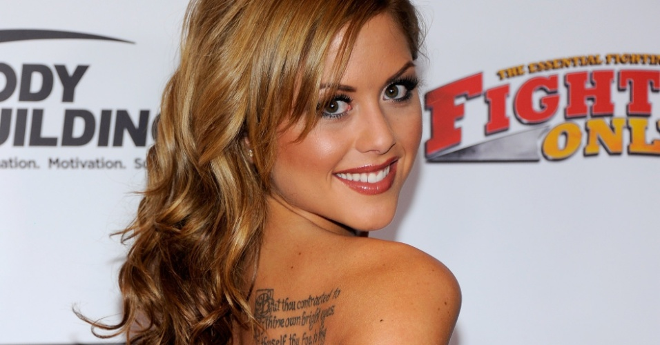 Ring girl do UFC, Brittney Palmer  fotografada na chegada ao MMA Awards, o 