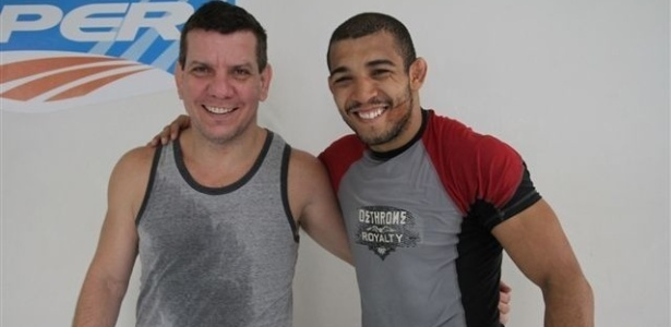 Tcnico Ded Pederneiras e Jos Aldo em treino para o UFC Rio