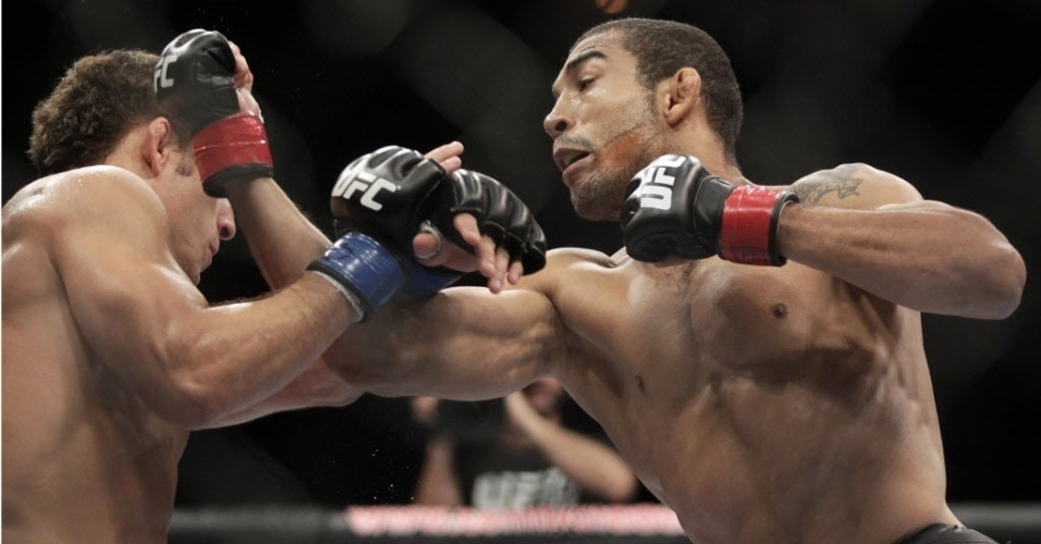Jos Aldo vence Chad Mendes no UFC 142, no Rio