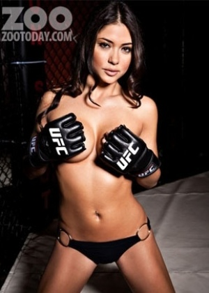 Musa do UFC, ring girl Arianny Celeste posa para revista dos EUA