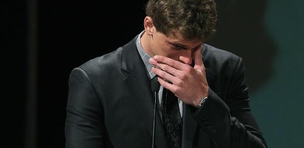 Cesar Cielo se emocionou ao receber o prêmio de melhor atleta do ano no Prêmio Brasil Olímpico