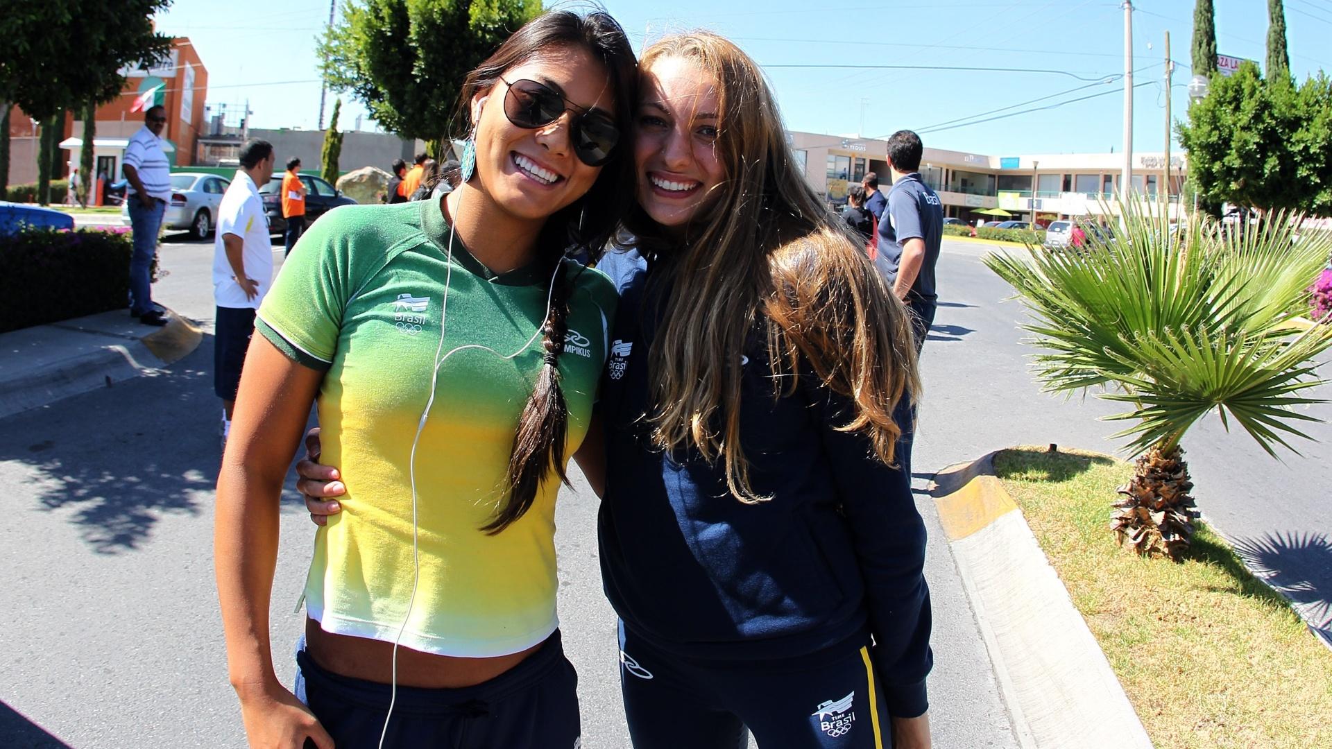 Tatiane Sakemi e Carol Mussi chegam ao México para o Pan-2011 (05/10/2011)