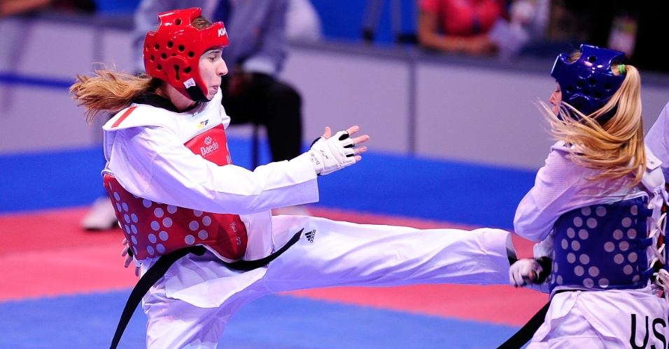Natalia Falavigna enfrenta Lauren Hamon no taekwondo do Pan-2011 (18/10/2011)