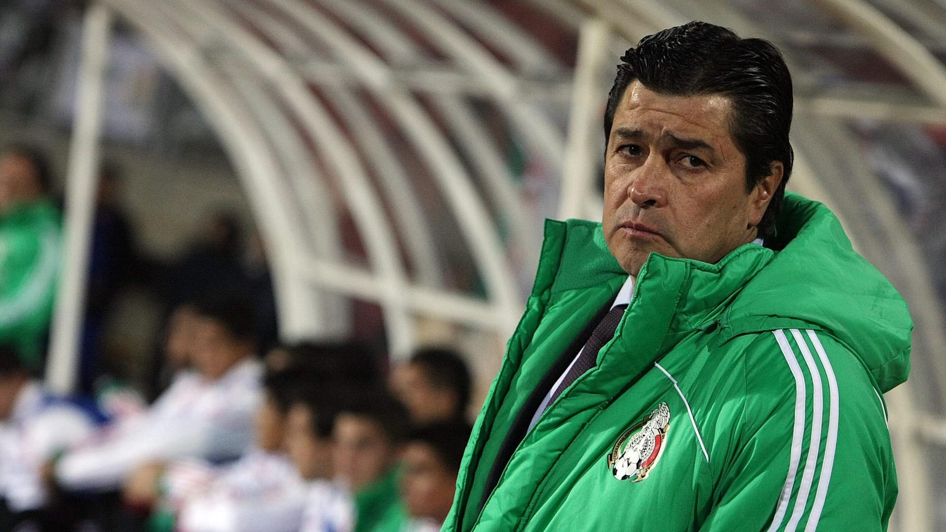 O técnico de futebol do México no Pan, Luis Fernando Tena, afirmou que seus comandados não estão comendo carne