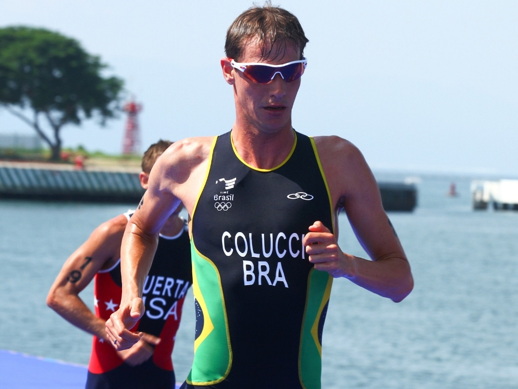 Reinaldo Colucci conquistou o ouro para o Brasil no triatlo do Pan (23/10/2011)