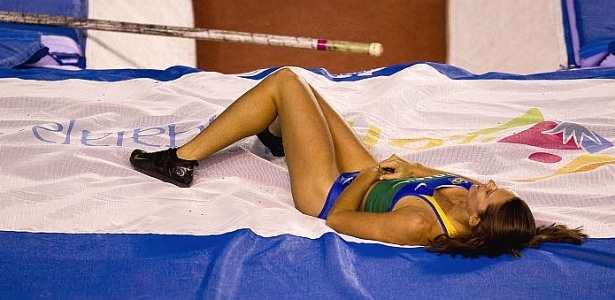 Fabiana Murer lamenta erro no salto com vara; campe em 2007, a campe mundial ficou s com a prata