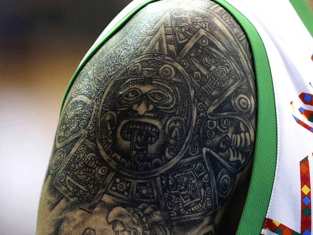 Em detalhe, a tatuagem do jogador da seleção mexicana de basquete Hector Hernandez, durante o Pan-2011 (26/10/2011)