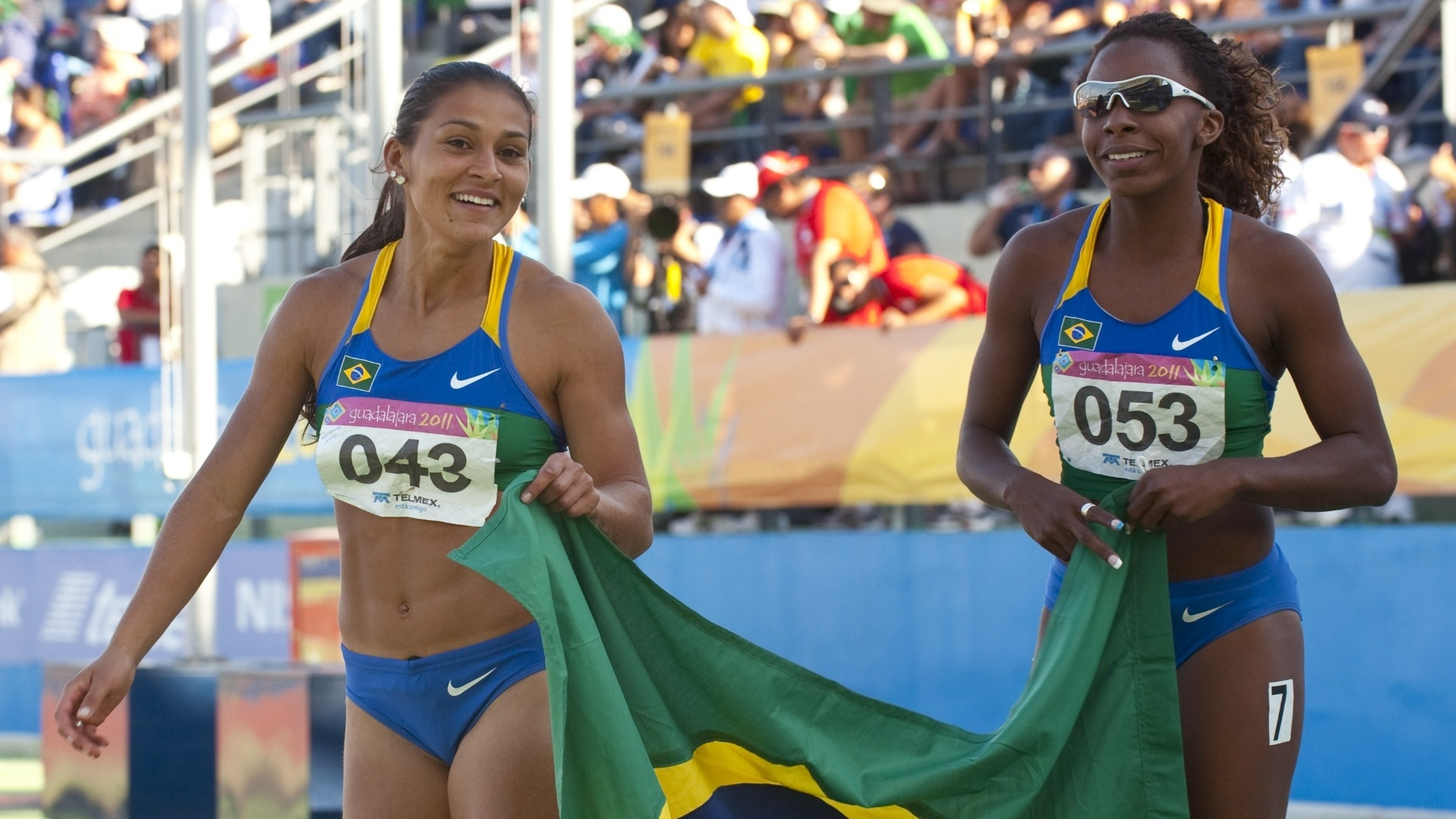 As meninas do revezamento 4x100 m venceram o ouro em Guadalajara (28/10/2011)