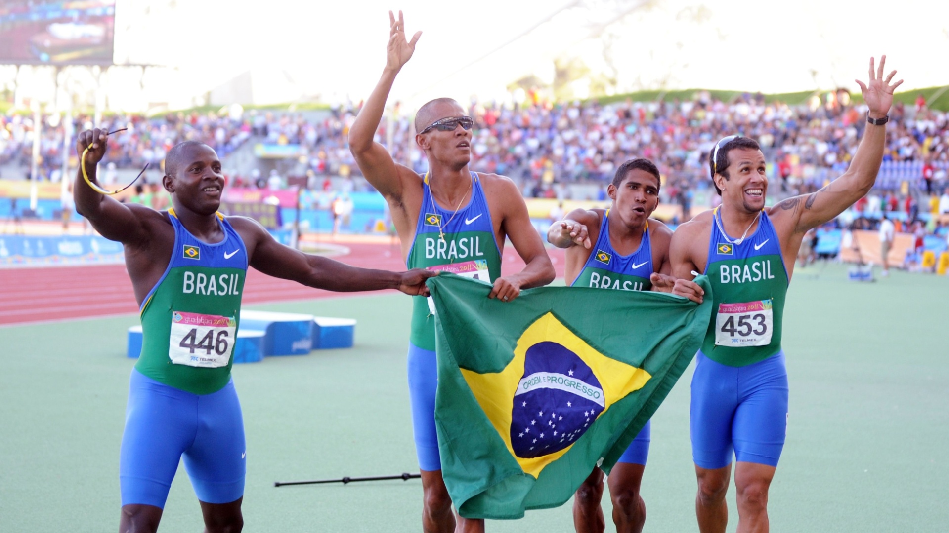 Brasil igualou o recorde panamericano no revezamento 4x100 m, com o tempo de 38s18 (28/10/2011)