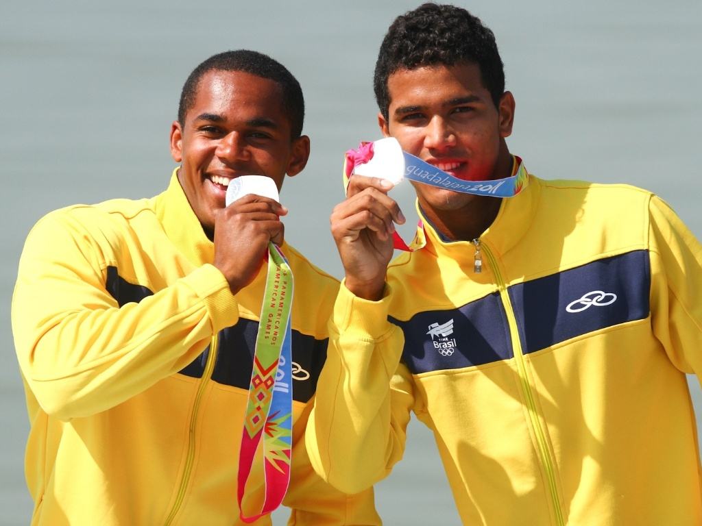 Erlon Silva e Ronilson de Oliveira ficaram com a medalha de prata na final da categoria C2 1000 m da canoagem no Pan-Americano