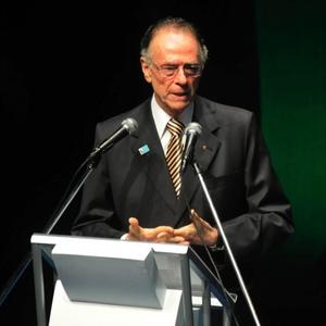 Carlos Arthur Nuzman no prêmio Brasil Olímpico; cartola deve conseguir mais uma reeleição no COB