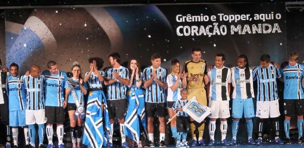 Renato, atletas e celebridades se uniram no lançamento do uniforme gremista em 2011