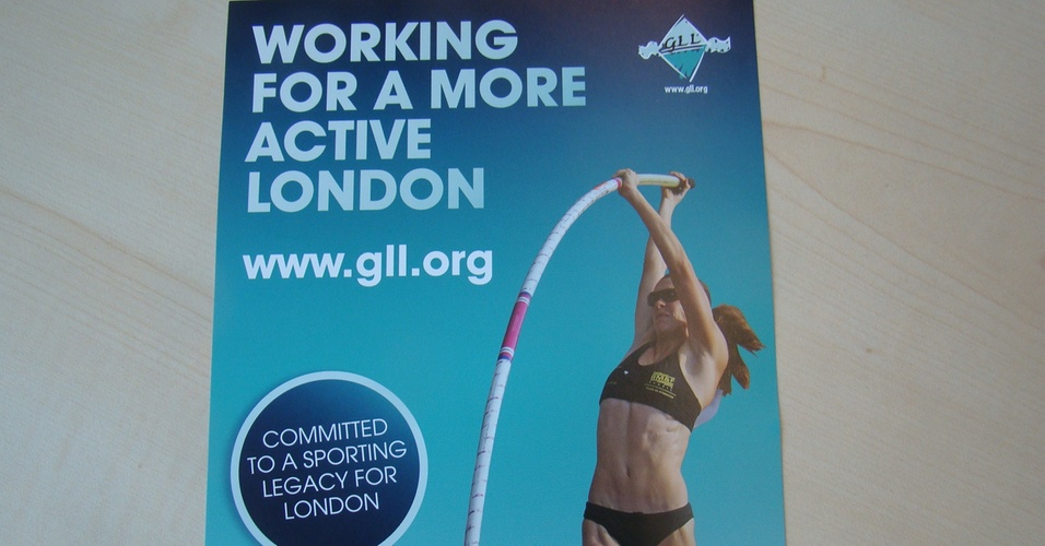 Cartaz de Fabiana Murer em campanha de Londres