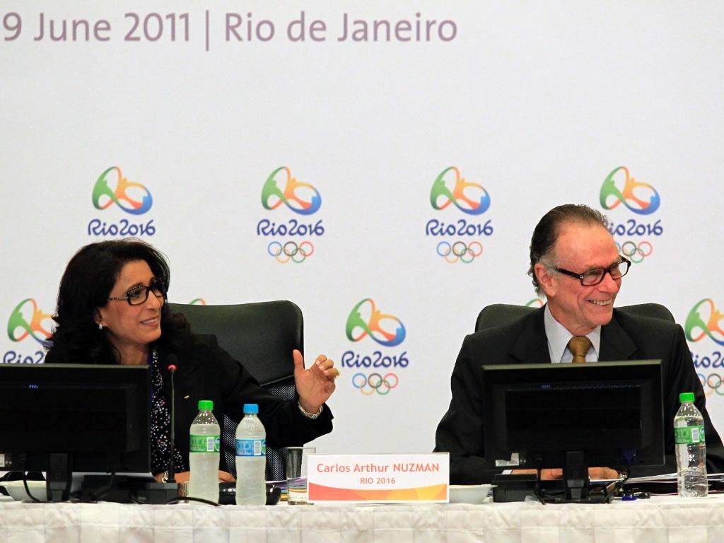 Nawal e Nuzman durante visita do COI ao Rio (07-06-2011)