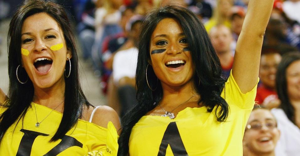 Cheerleaders do Columbus Crew em ação em jogo válido pela Major League contra o New York Red Bulls, em New Jersey
