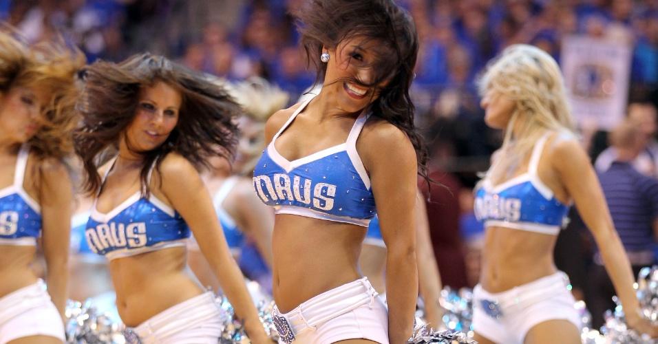 Dançarinas do Dallas Mavericks fazem sua performance em jogo válido pelas finais da NBA, contra o Miami Heat