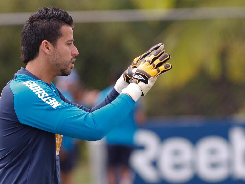 Fábio, do Cruzeiro, adotou o estilo e gostou