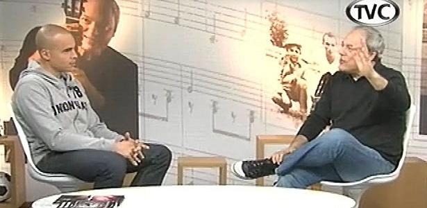 Toquinho entrevista goleiro Julio Cesar para seu programa na TV Corinthians
