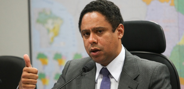 """Para o ministro Orlando Silva, está-se fazendo """"muito barulho por nada"""""""