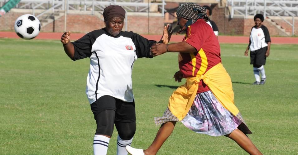 Futebol de avós parece ter rendido altas risadas na África do Sul