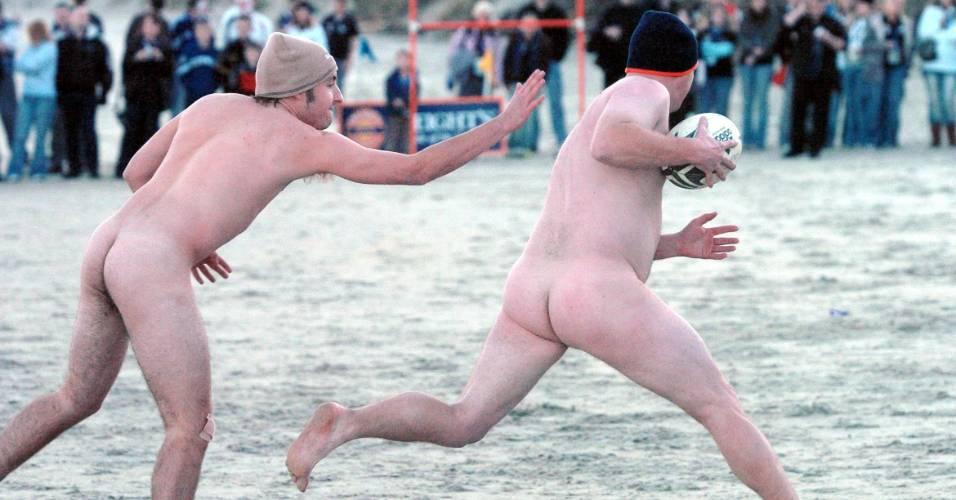 Rúgbi nu é praticado anualmente através de uma competição realizada na Nova Zelândia