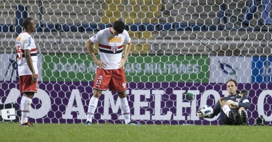 São-paulinos lamentam gol de Botinelli, que definiu a derrota da equipe tricolor