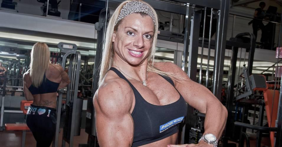 Andrea Carvalho, campeã do fisiculturismo brasileiro