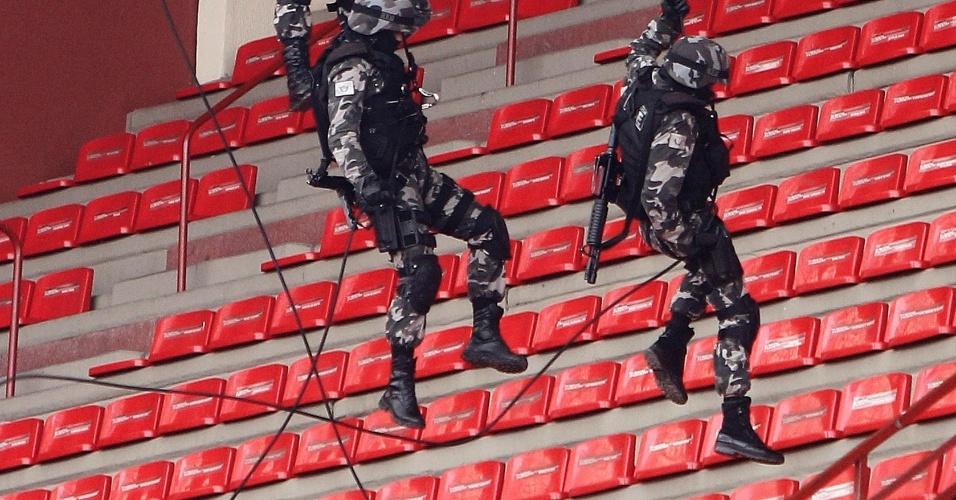 Atividades de rapel também foram realizadas na Arena da Baixada nesta quarta-feira