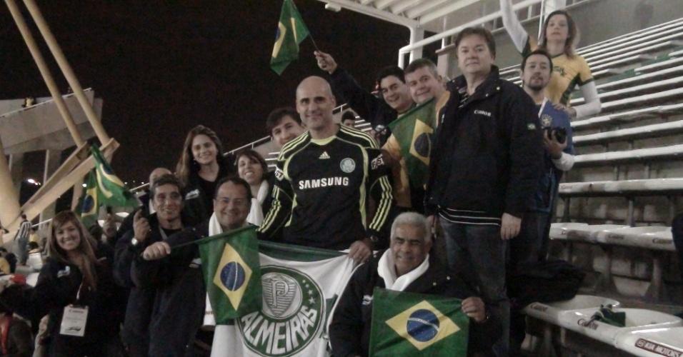 Sósia do goleiro Marcos se destaca na torcida brasileira em Córdoba