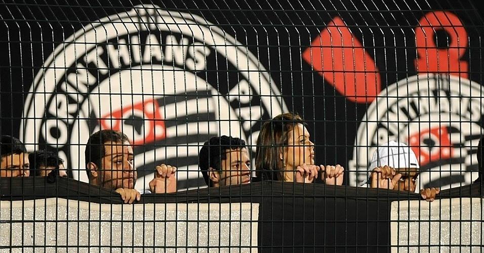 Corintianos assistem à vitória sobre o internacional no Pacaembu pela 12ª rodada do Brasileirão (14/07/2011)