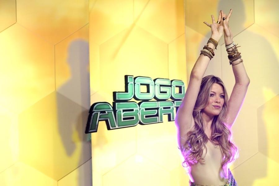 Renata Fan dança durante o Jogo Aberto, da Band (15/07/2011)