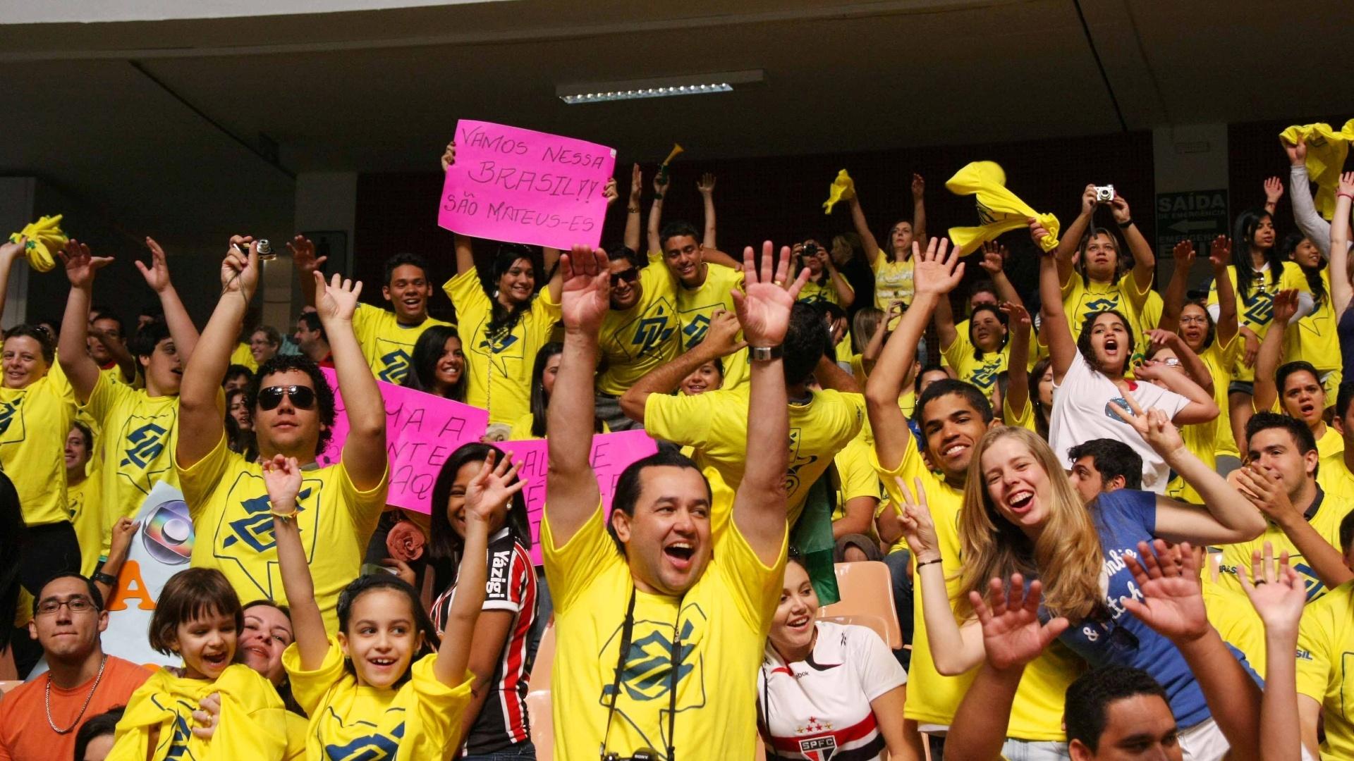 Torcida empurrou o Brasil em Brasília. Equipe venceu a Itália na Copa Internacional