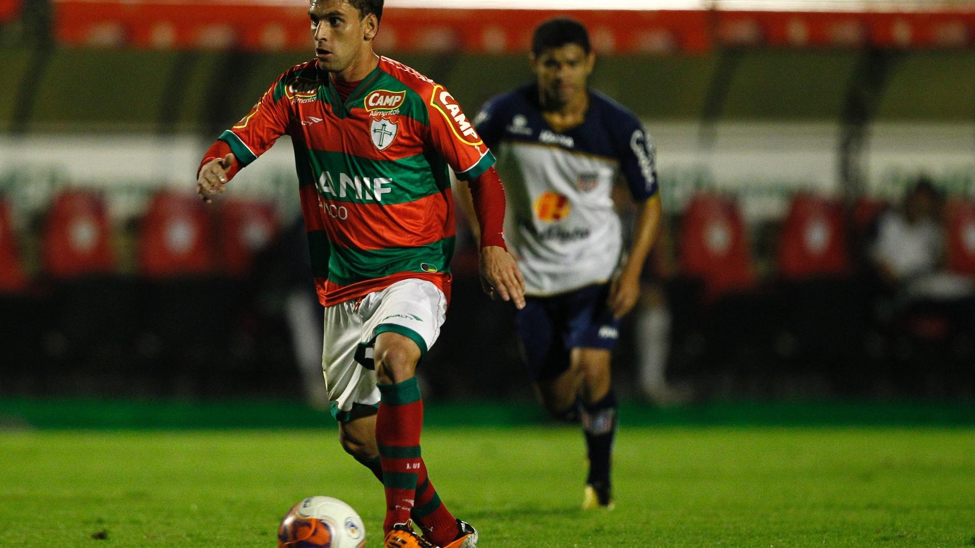 Ivo foi mais um da Portuguesa que não teve sucesso na tentativa de abrir o placar no Canindé (26/07/2011)