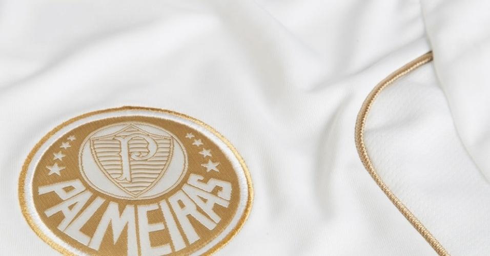 Símbolo do Palmeiras ficará do lado direito da camisa, enquanto o brasão estilizado com M de Marcos ficará do lado esquerdo