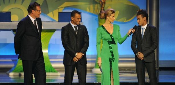 Cerimônia da Copa do Mundo no Rio de Janeiro em 2011; a Globo comanda a festa