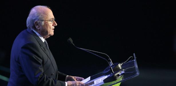 Blatter quer que o Brasil se responsabilize por eventuais acidentes naturais na Copa