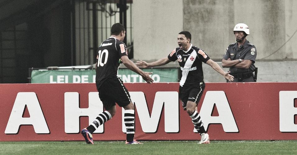 Éder Luis corre para vibra com primeiro gol do Vasco sobre o São Paulo; equipe carioca venceu por 2 a 0 no Morumbi