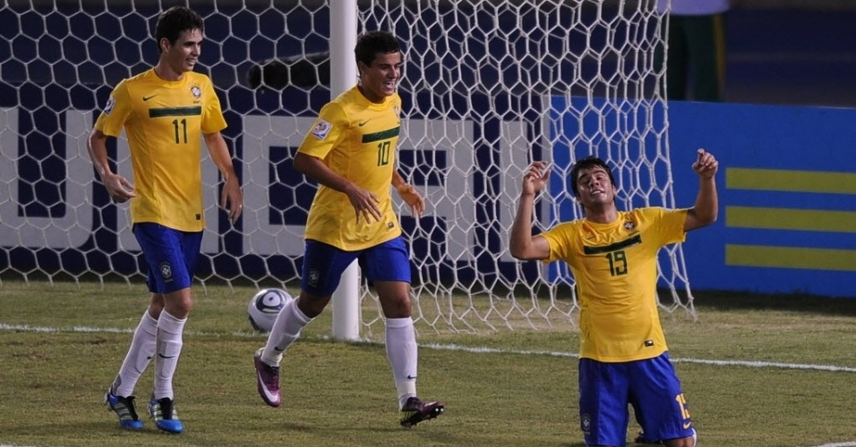 Henrique celebra primeiro gol do Brasil, que se recuperou de tropeço na estreia do Mundial sub-20 e bateu a Áustria