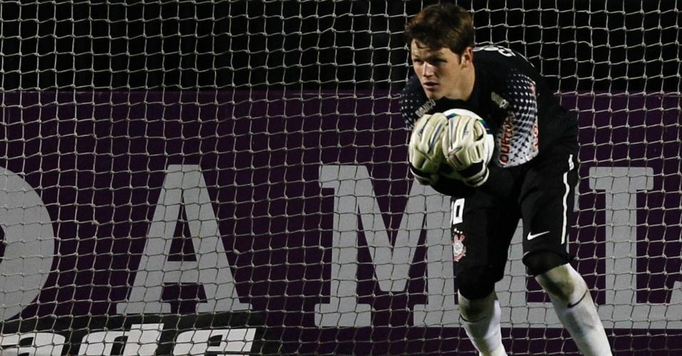 Apesar da vitória, goleiro Renan errou mais uma vez no gol do América-MG e segue acumulando falhas desde que virou titular no Corinthians
