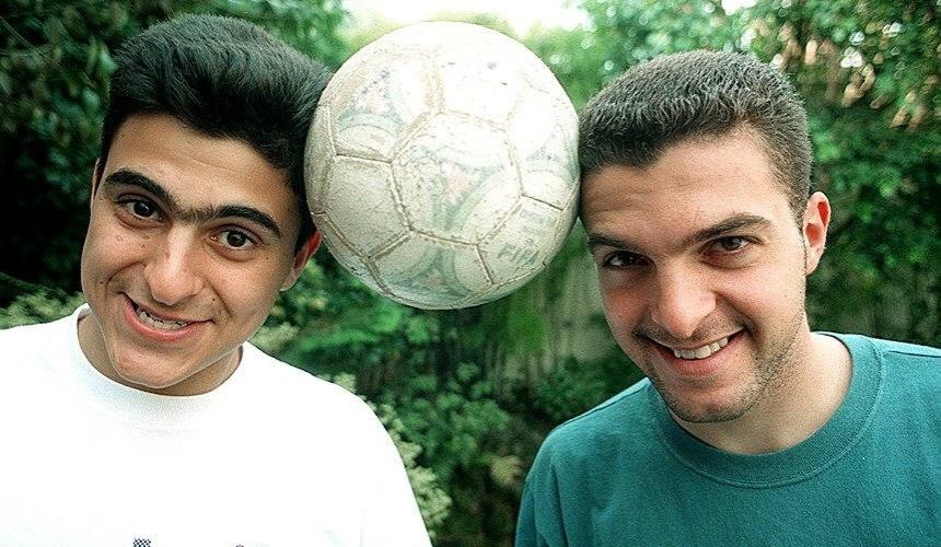 Zé Elias e o irmão, o goleiro Rubinho, posam para foto. Brigas afastaram os dois, que não se falam mais