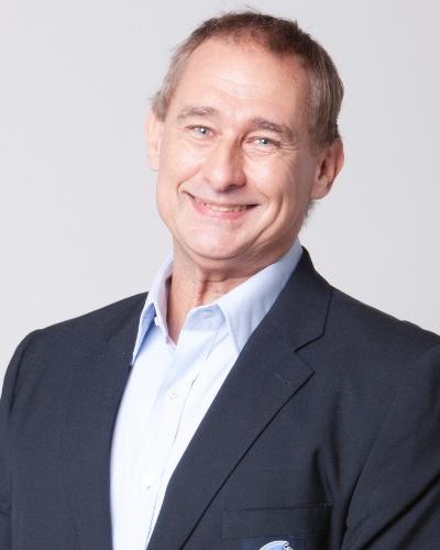 Álvaro José, apresentador e narrador da TV record