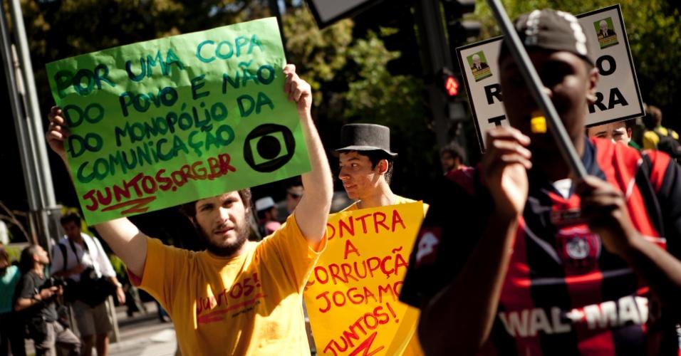 Globo é citada em protesto contra Ricardo Teixeira em São Paulo (13/08/2011)