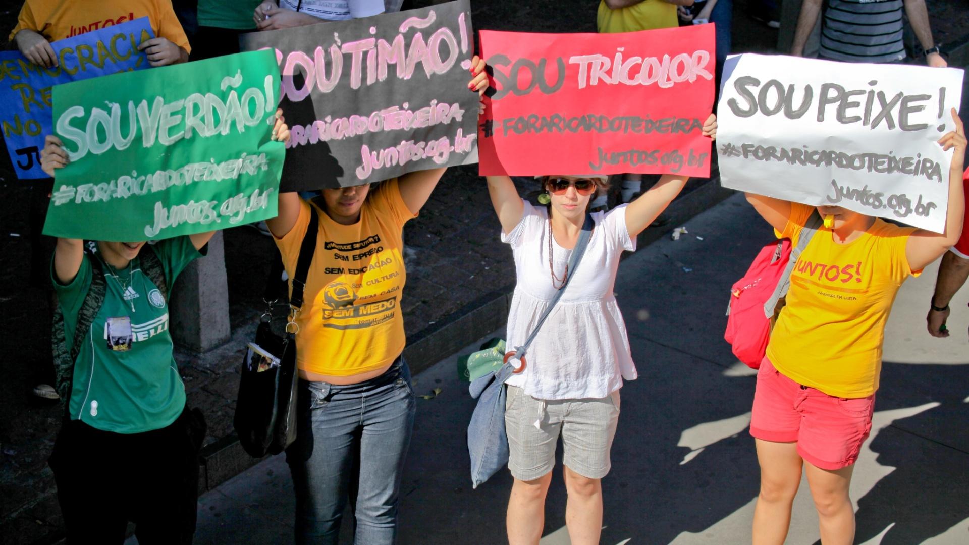 Torcida dos quatro grandes de São Paulo está unida no protesto contra Ricardo Teixeira (13/08/2011)