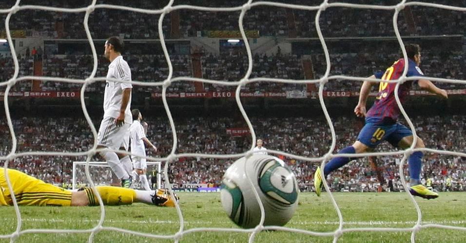David Villa comemora gol do Barcelona contra o Real Madrid (14/08/2011)