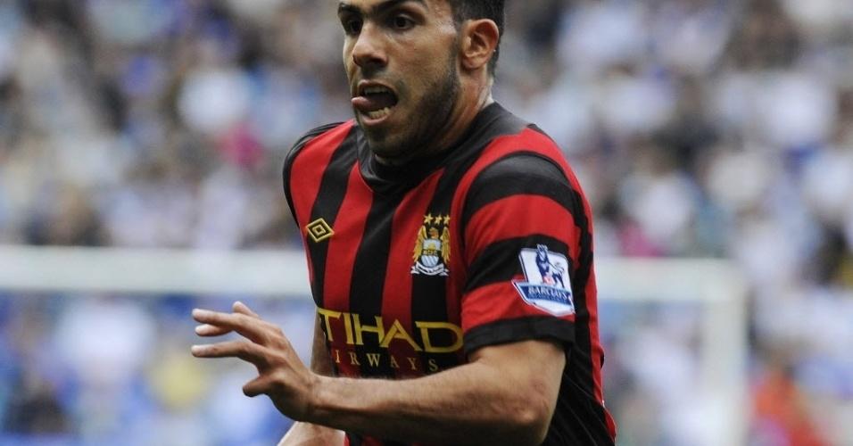 O argentino Carlos Tevez em ação durante o duelo do Manchester City contra o Bolton, pela Premier League