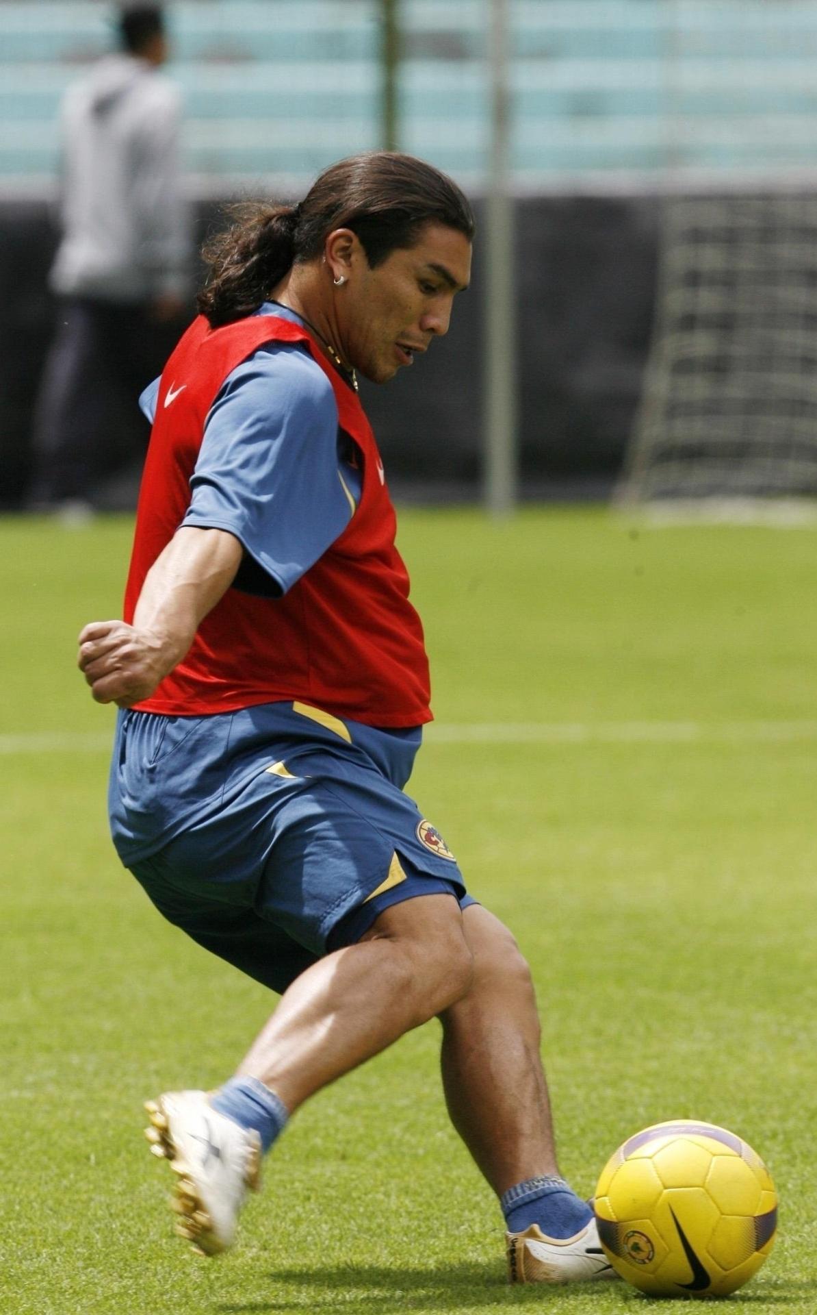 Quilinhos a mais de Salvador Cabañas não impediram jogador de ser o
