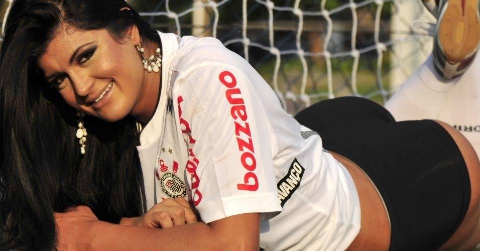Camila Vernaglia. Gata do Brasileirão 2011 do Corinthians