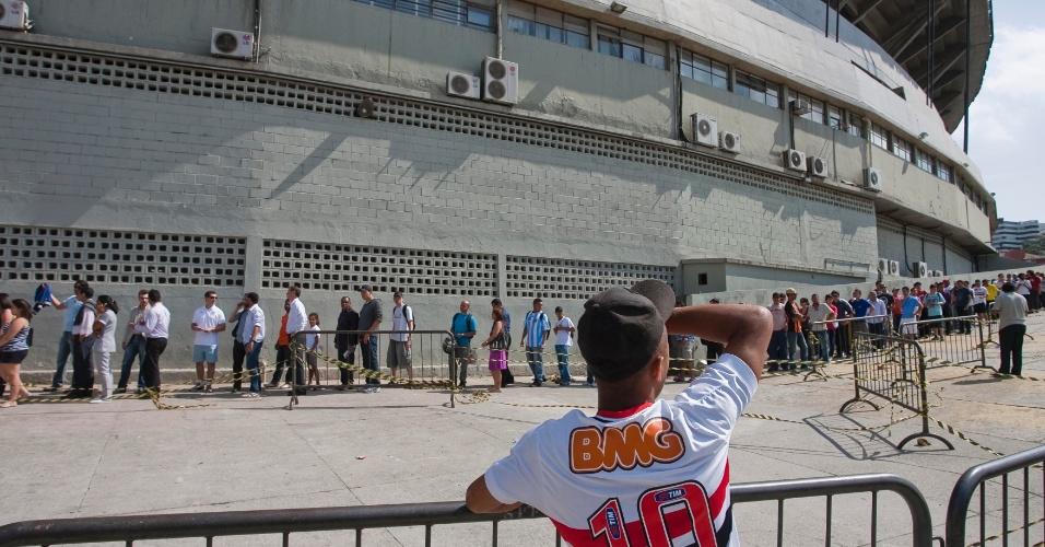 Partida, válida pela 22ª rodada do Campeonato Brasileiro, será a milésima de Rogério Ceni com a camisa do São Paulo