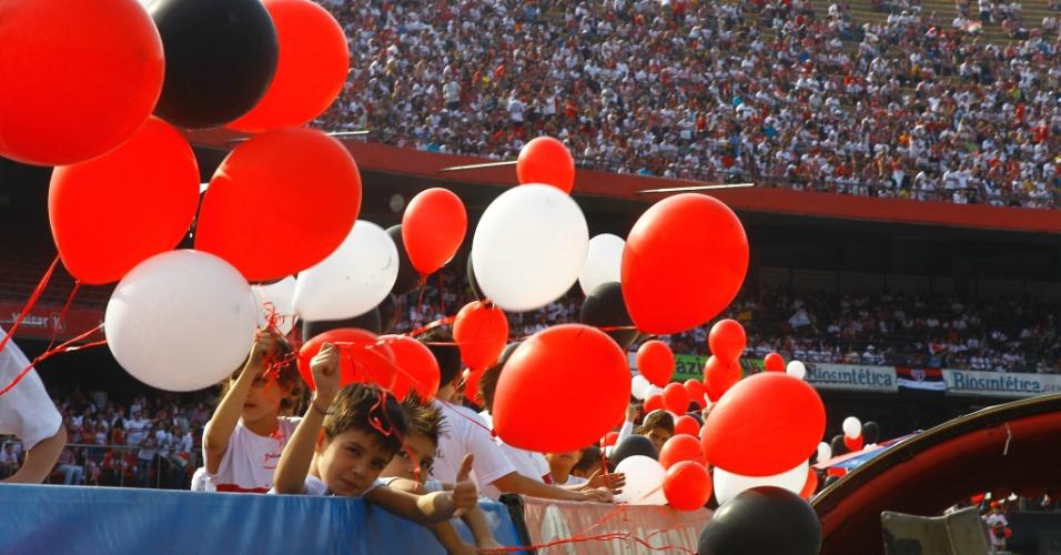 Crianças no Morumbi - São Paulo x Atlético-MG - Brasileirão-2011 (07/09/2011)